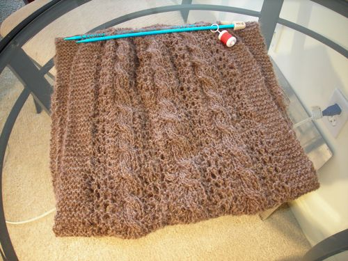 Reversible lace and cable scarf